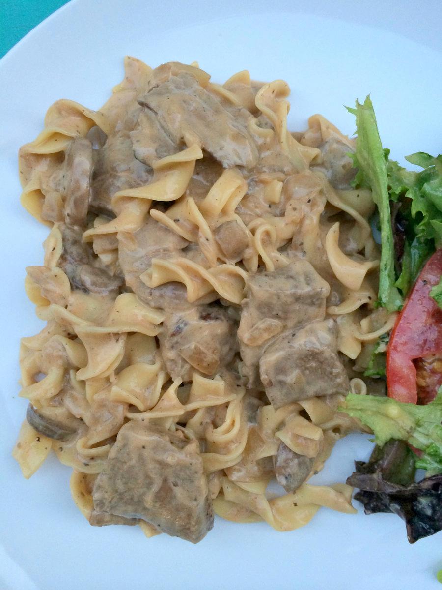 Strogonoff de carne con pastas